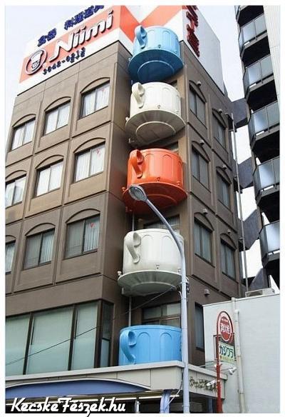 Csésze erkélyek